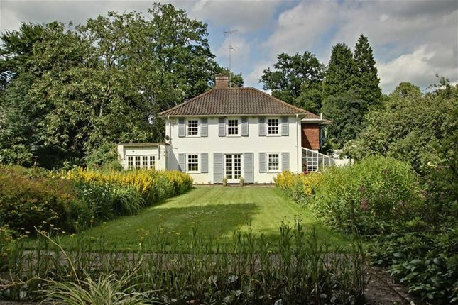 Thumbnail Detached house for sale in Kingshill Way, Berkhamsted, Hertfordshire