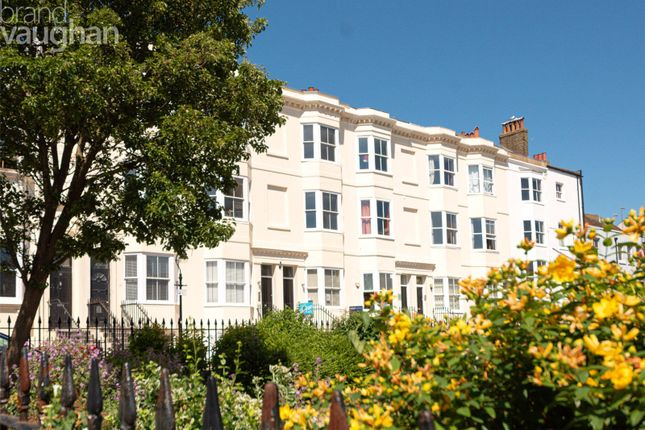 Thumbnail Flat for sale in Clarence Square, Brighton