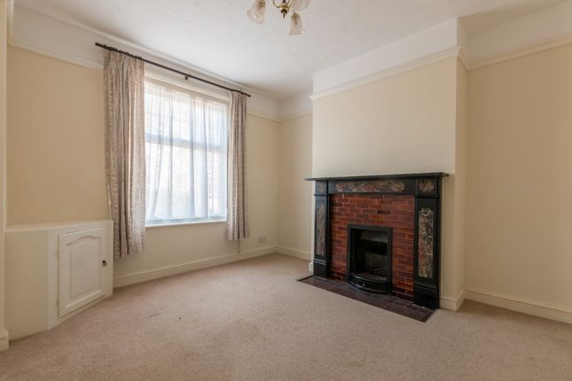 Thumbnail Semi-detached house to rent in Russell Road, Newbury