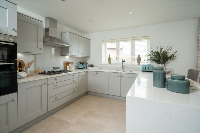 2 bedroom semi-detached house for sale in London Road, Shipston-On-Stour