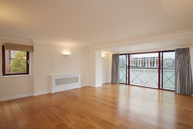 3 bed flat to rent in Regent On The River, Fulham