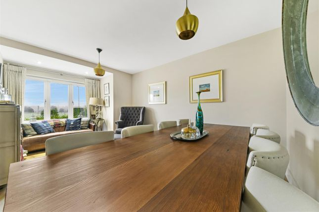 6 Kingswood Park, Kennedys ,( 25 From 36 ) (4 Of 3