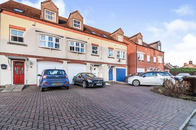 3 bed town house for sale in Mount Pleasant, Riccall, York YO19