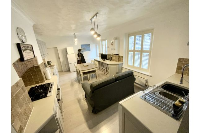 2 bed flat for sale in Glenmore Road, Minehead TA24