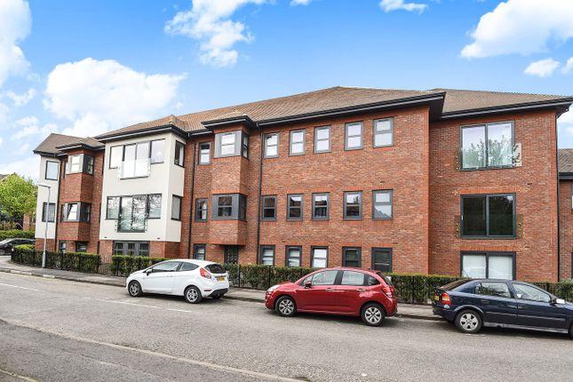 2 bed flat for sale in Finchampstead Road, Wokingham