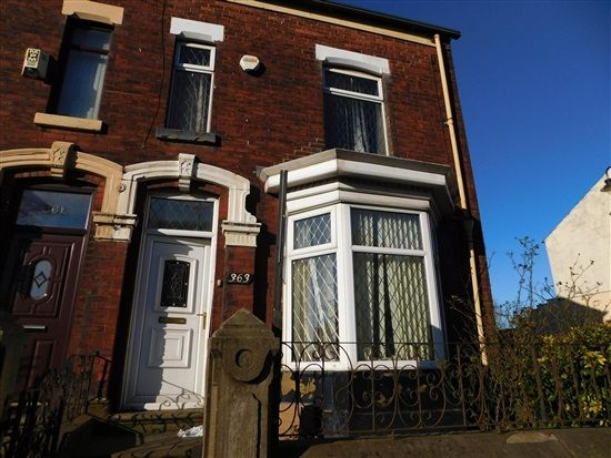 Thumbnail Property to rent in Bury Road, Bolton