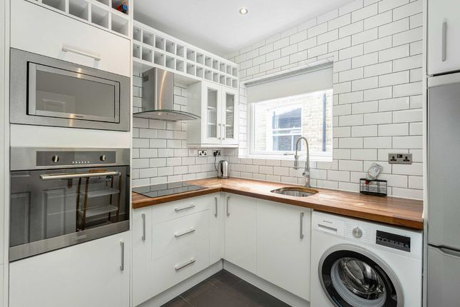 Thumbnail Flat for sale in Querrin Street, Fulham, London