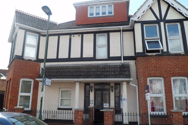 1 bed flat to rent in Walpole Road, Bournemouth, Dorset, United Kingdom