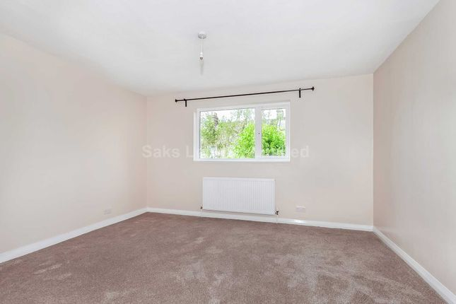 Thumbnail Flat to rent in Drakefield Road, Tooting