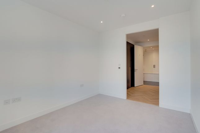 12_Bedroom_2 of 251 Southwark Bridge Road, London SE1
