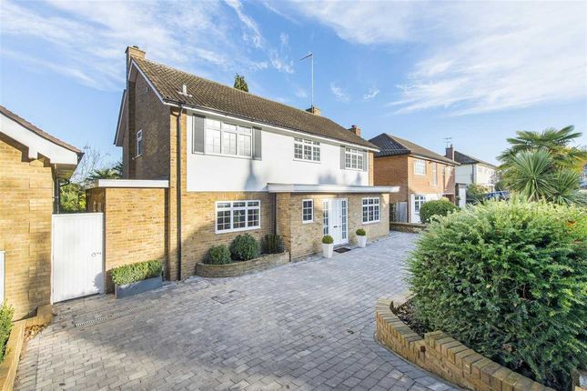 Thumbnail Detached house for sale in Chestnut Rise, Bushey