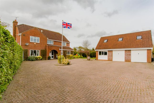 6 bed detached house for sale in Washpool, Swindon