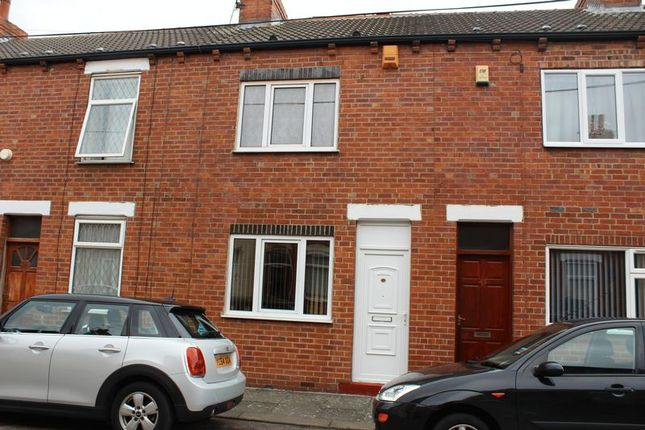 Thumbnail Terraced house to rent in Regent Street, Castleford