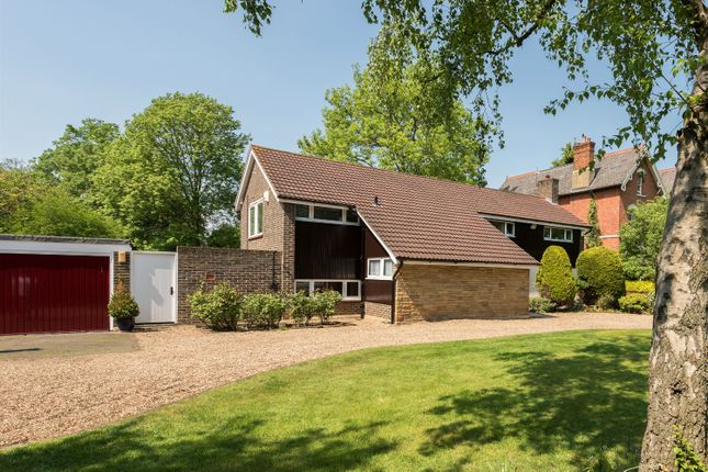 Thumbnail Detached house for sale in Alleyn Park, Dulwich