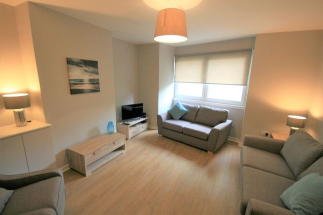 Thumbnail 2 bed flat to rent in Canongate, Central, Edinburgh