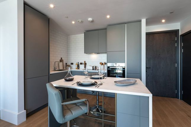 Thumbnail Flat for sale in Leon House, Croydon