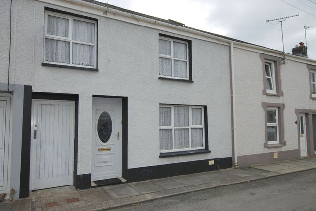 Thumbnail Terraced house for sale in Victoria Street, Llandovery
