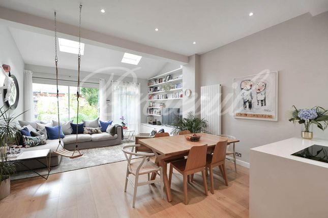 Thumbnail Terraced house for sale in Maltings Place, London