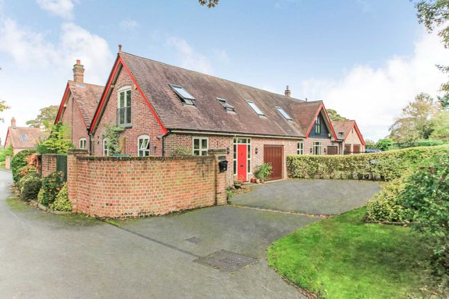 Thumbnail Barn conversion for sale in Park Road, Tring, Hertfordshire