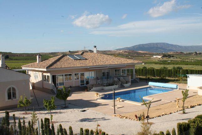 4 bed villa for sale in Pinoso, Alicante, Spain