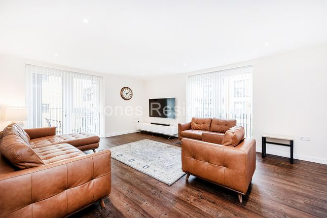 3 bed flat for sale in Savernake Court, Wolverton Road, Stanmore