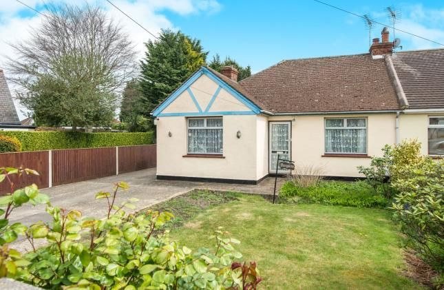 Thumbnail Bungalow for sale in Bungalow, Whitepost Lane, Meopham, Gravesend