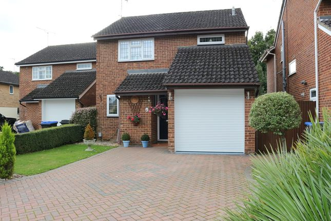 Thumbnail Detached house for sale in Knightswood, Woking