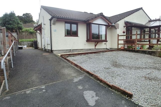 Thumbnail Bungalow to rent in Golwg Y Cwm, Cwmgors, Ammanford