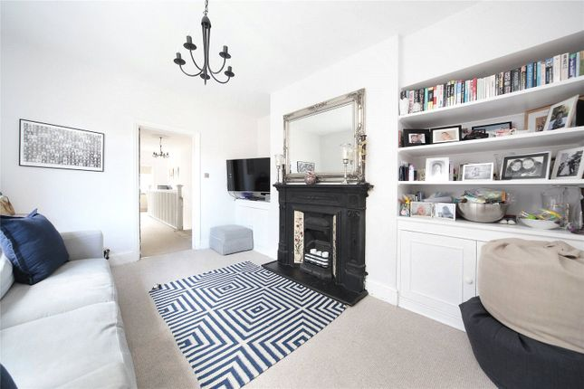 Thumbnail Maisonette to rent in Strickland Row, Wandsworth, London