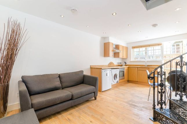 Thumbnail Property to rent in Salisbury Mews, Fulham