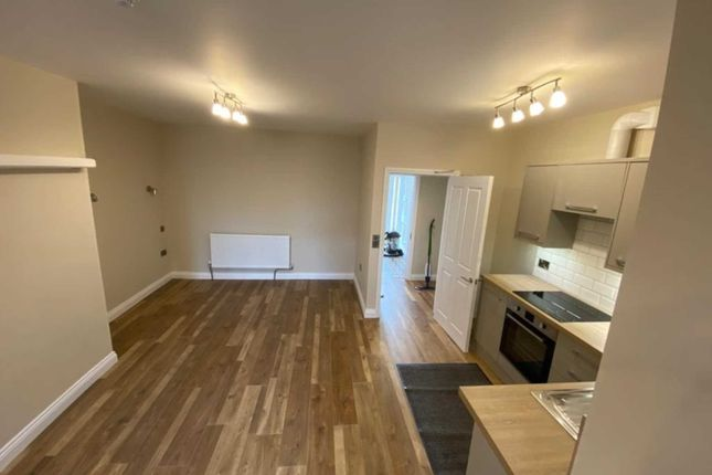 Studio to rent in Holmfirth Road, Meltham HD9
