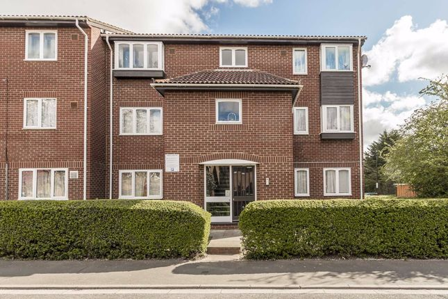 Thumbnail Flat for sale in Dorney Way, Hounslow