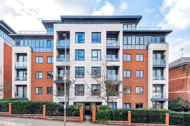 Thumbnail Flat for sale in Devonshire House, 50 Putney Hill, London