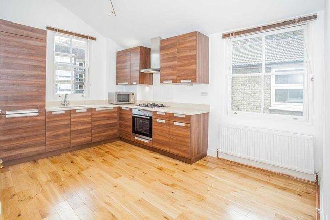 Maisonette to rent in Collingbourne Road, Shepherds Bush, London