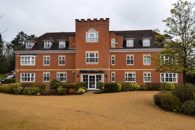 Thumbnail Flat for sale in Greenhurst Drive, Barnt Green, Birmingham