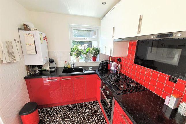 Kitchen of Farmer Road, London E10