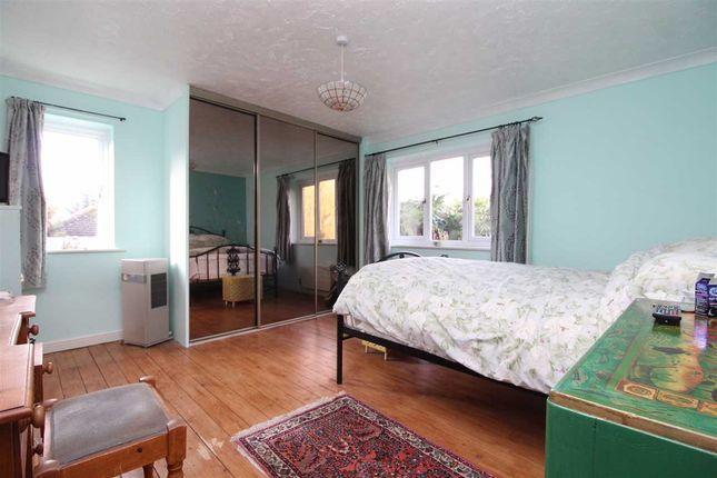 Master Bedroom of Daundy Close, Ipswich IP2