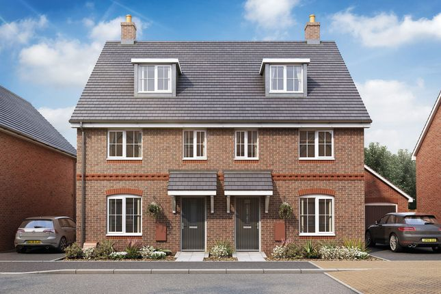 4 bed end terrace house for sale in Durrants Lane, Berkhamsted HP4