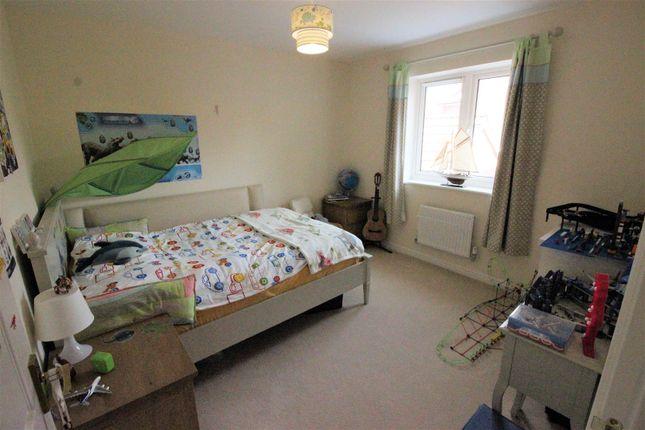Double Bedroom of Hewlett Place, St Andrews Ridge, Swindon SN25