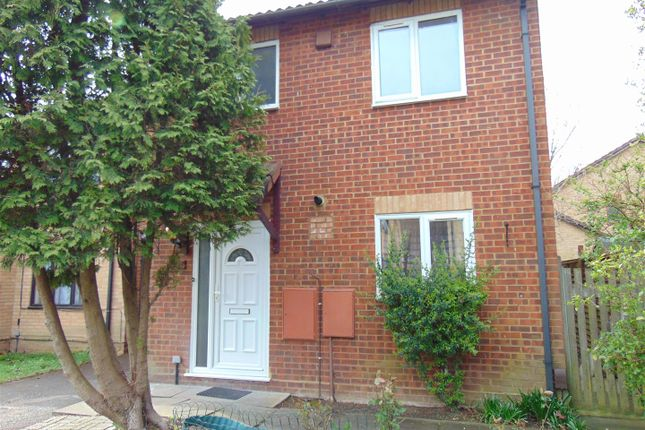 Thumbnail Link-detached house to rent in Ruby Close, Cippenham, Slough