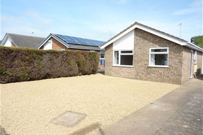 Thumbnail Bungalow to rent in York Road, Sleaford, Lincs