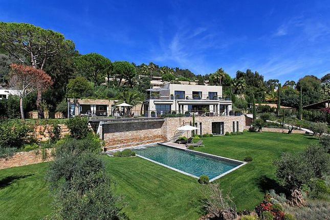 Thumbnail Property for sale in 5 Bedroom House, Vallauris, Provence-Alpes-Cote D'azur, France