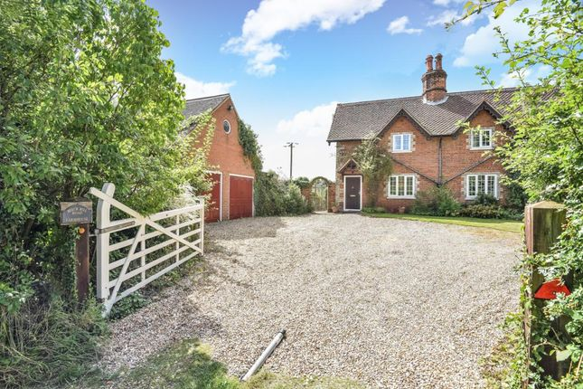 Thumbnail Detached house for sale in Lambwood Hill, Grazeley