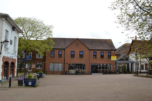 Thumbnail Office to let in Market Square, Alton