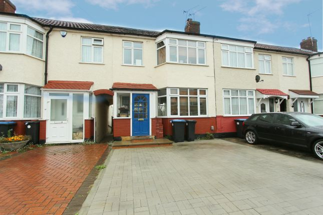 Thumbnail Terraced house for sale in Carisbrook Close, Enfield