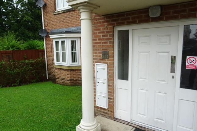 2 bed flat to rent in 12 Gardens Close, Spinneyfield, Rotherham