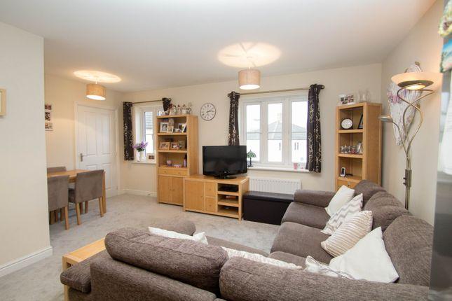 Thumbnail Flat for sale in Skylark Rise, Whitchurch, Tavistock
