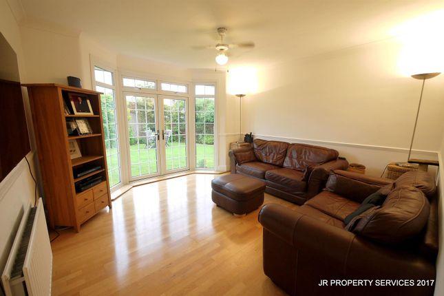 Living Room of Southbrook Drive, Cheshunt, Waltham Cross EN8