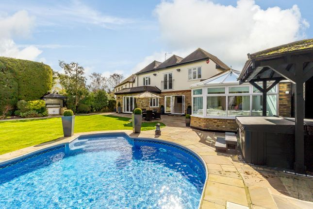 Thumbnail Detached house for sale in Ayloffs Close, Emerson Park, Hornchurch
