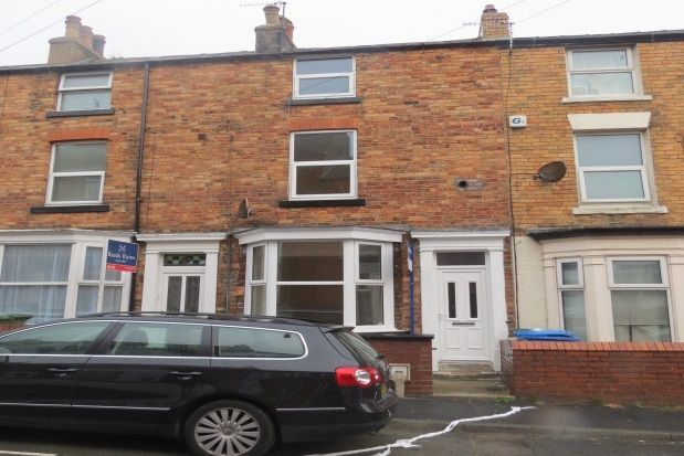 Thumbnail Terraced house to rent in Trafalgar Terrace, Scarborough